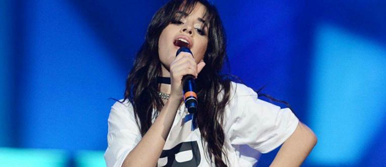 Camila Cabello divulga pequenas prévias do seu novo videoclipe